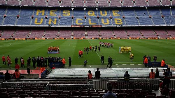 Tentang Camp Nou yang Kosong Malam Tadi