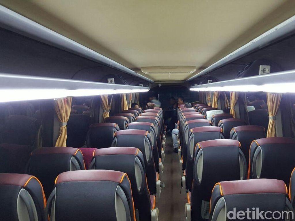 Perut Bus Ini Bisa Telan Motor
