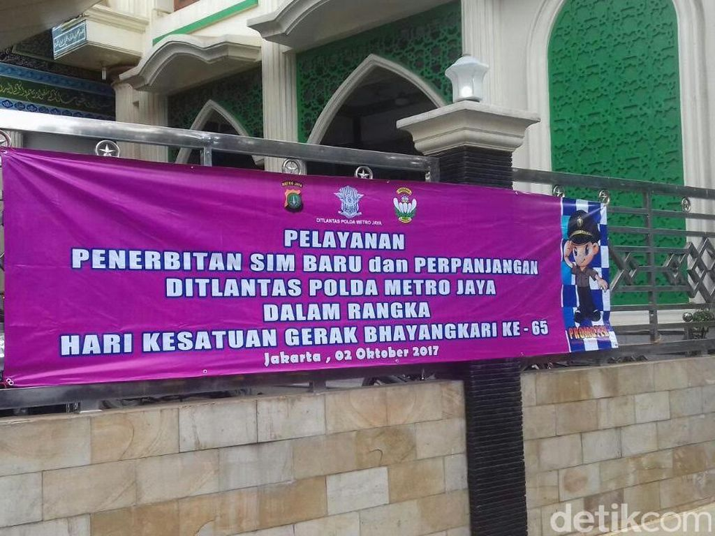 Yayasan Bhayangkari Layani Pembuatan 140 SIM di TPA Bantar Gebang