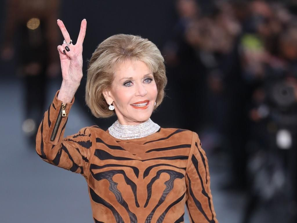 Jane Fonda Jualan Baju Demi Galang Dana Krisis COVID-19