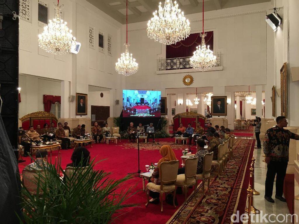 Jokowi Sang Panglima Tertinggi Beri Peringatan, Seskab: Cukup Jelas