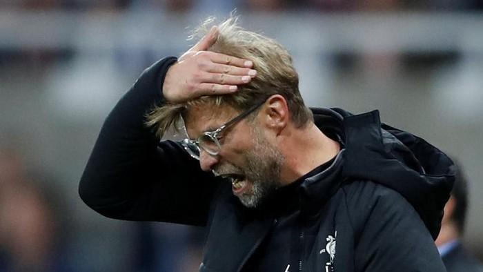 Juergen Klopp yang Frustrasi melihat Liverpool kebobolan (Carl Recine/Reuters)