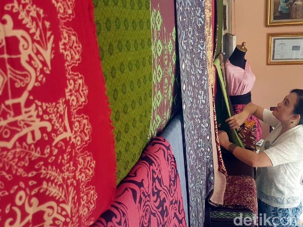 Batik Lokatmala Digemari Bule Karena Pakai Pewarna Alami