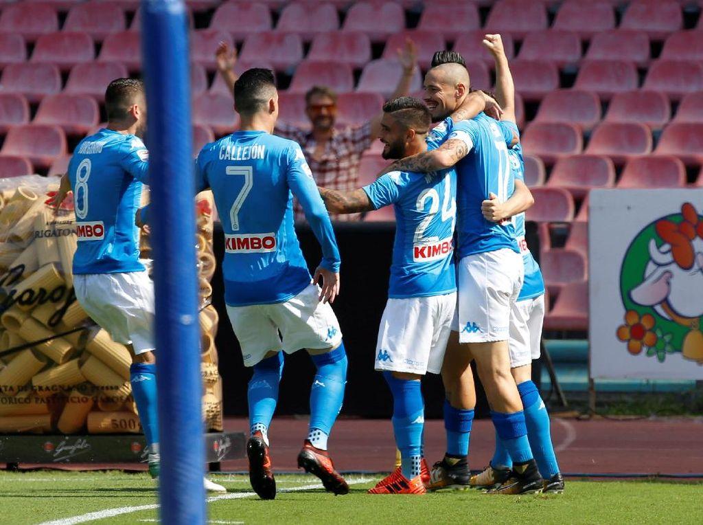 Napoli yang Menakutkan Bikin Rekor Baru di Serie A