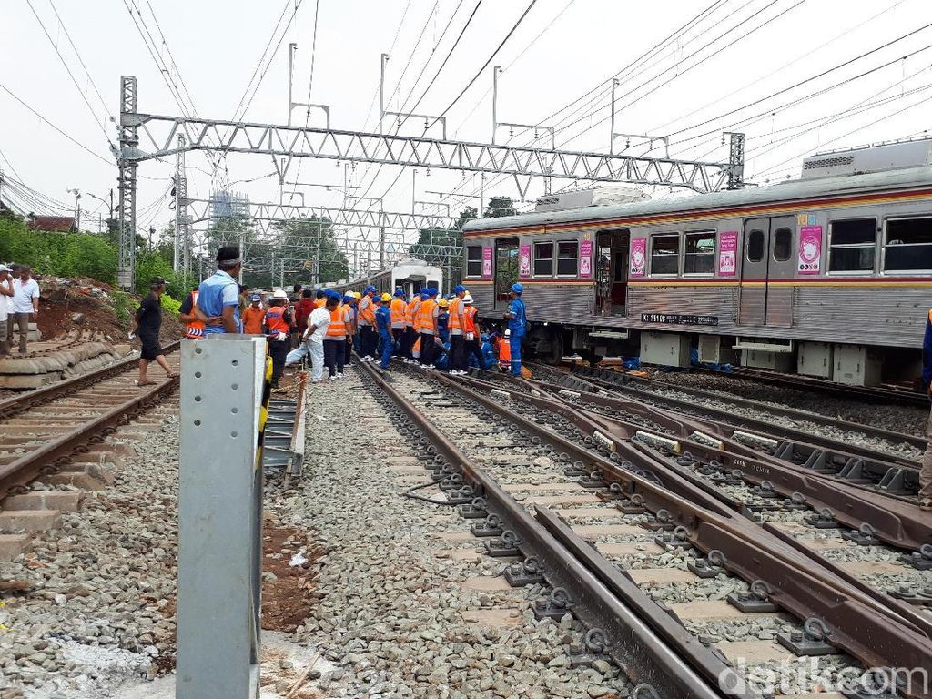 KA Jakarta Kota-Bogor Sempat Anjlok, Perjalanan Sudah Normal
