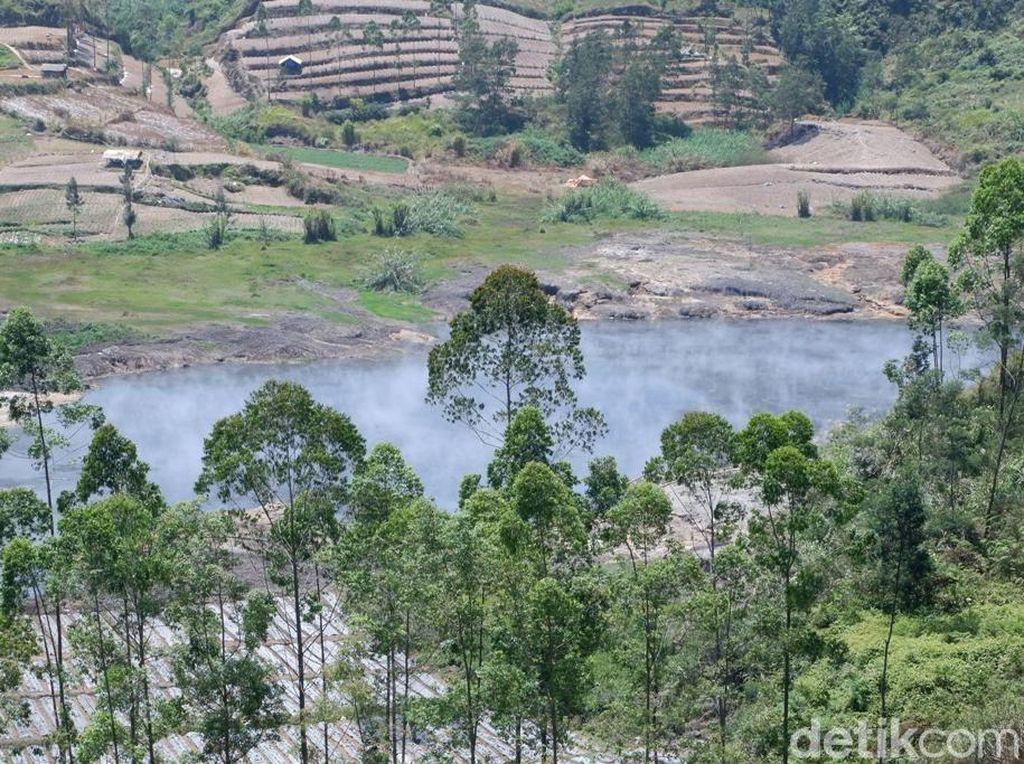 Kawah Sileri di Dieng Erupsi, Jalur Banjarnegara-Batang Ditutup