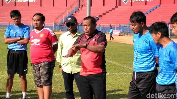 Bejo Sugiantoro tak lagi menjadi pelatih Persik Kediri
