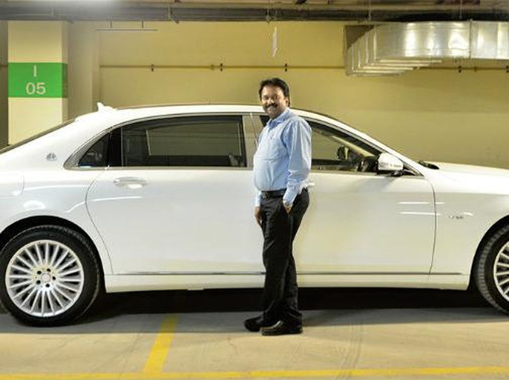 Bak Dongeng, Kisah Tukang Cukur yang Punya 378 Mobil