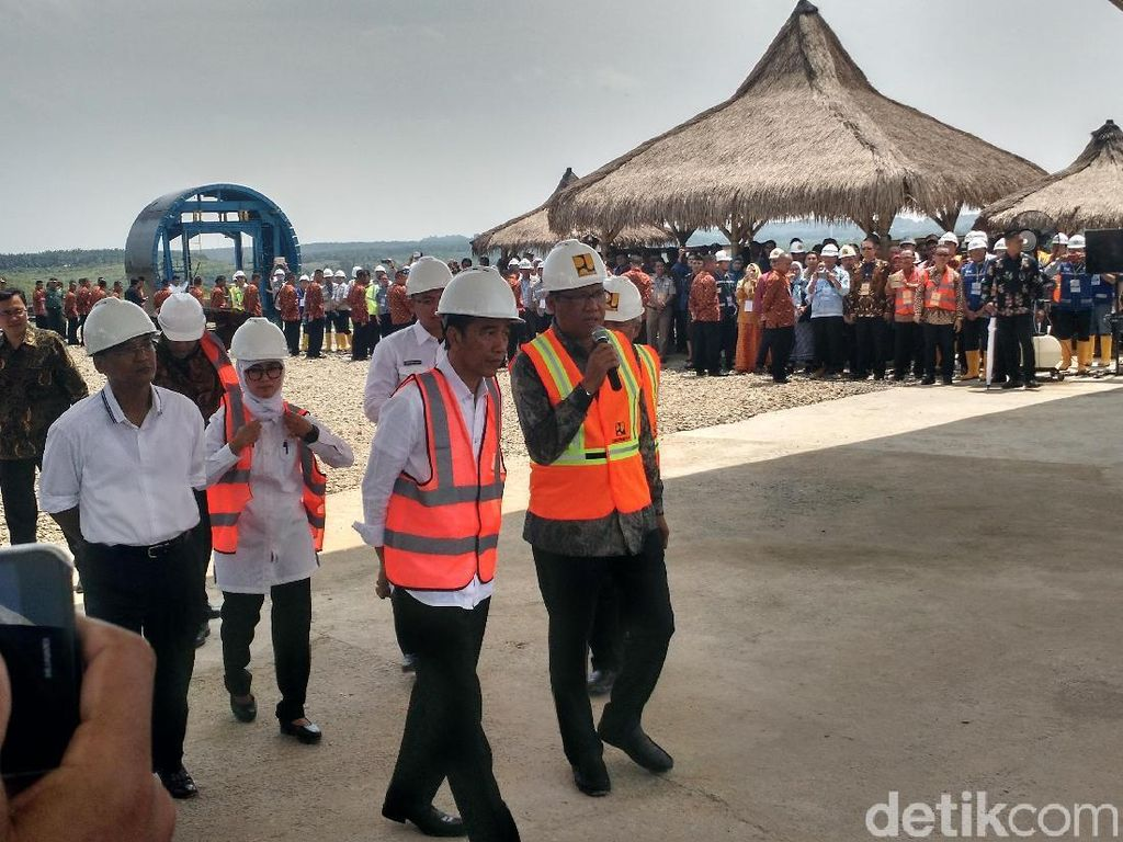 Jokowi Tinjau Pembangunan Waduk Karian, Banten