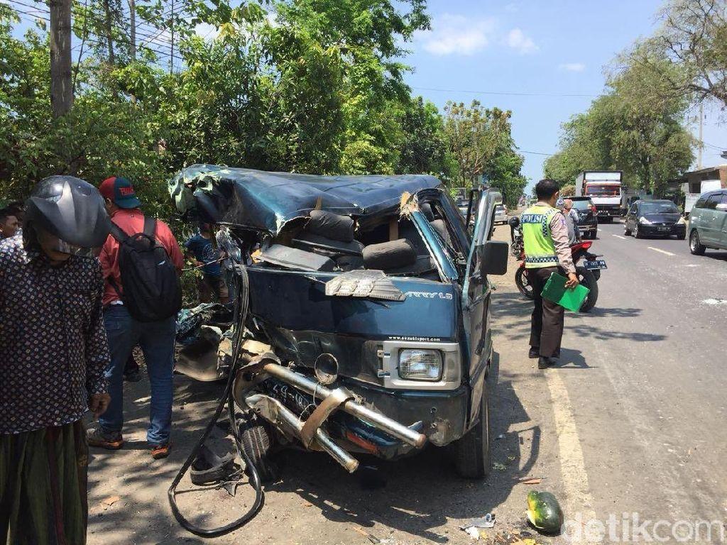 Kecelakaan Karambol di Probolinggo, 8 Orang Terluka