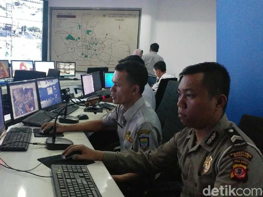 Kolaborasi Polisi dan Dishub Bidik Pelanggar via CCTV di Bandung
