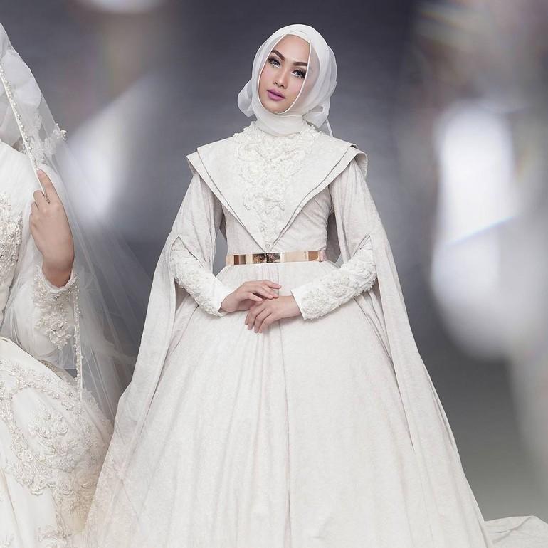 Foto 20 Inspirasi Gaun Pengantin Syari Yang Cantik Dan Modern