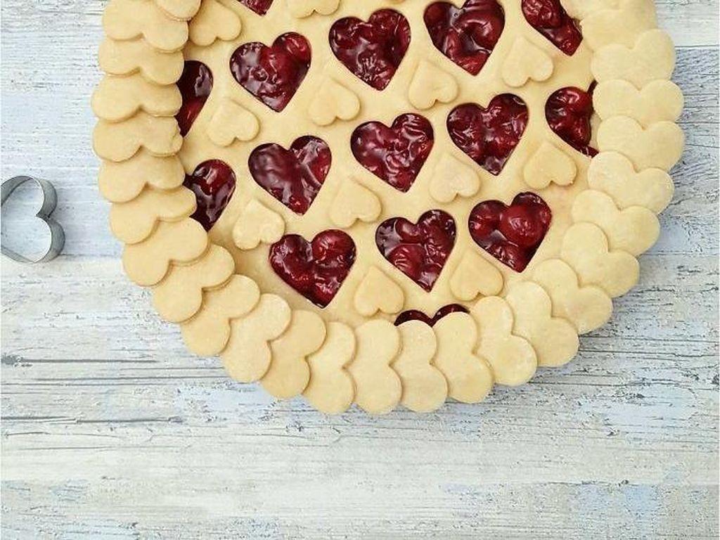 9 Kreasi Pie dengan Hiasan Cantik Bentuk Daun, Bunga hingga Hati