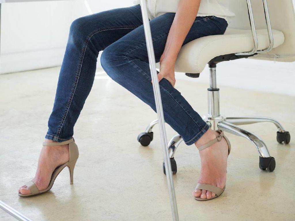 Hasil Riset, Orang-Orang Berhenti Pakai Jeans di Usia Ini