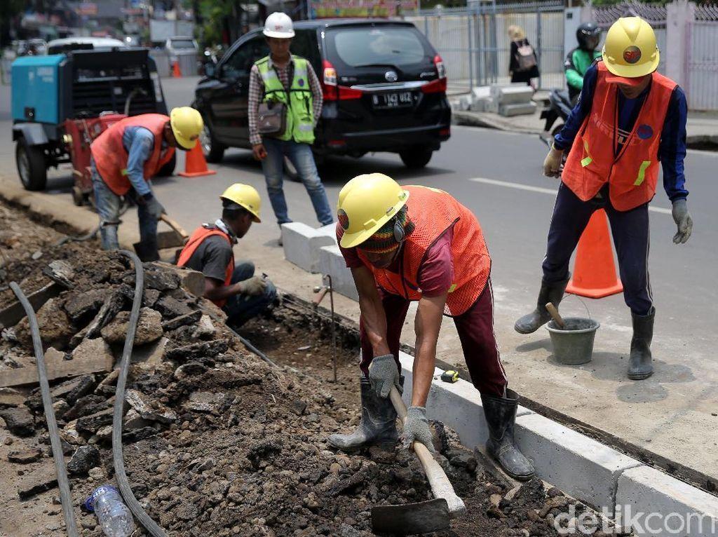 Revitalisasi Trotoar di Jalan Salemba Tengah