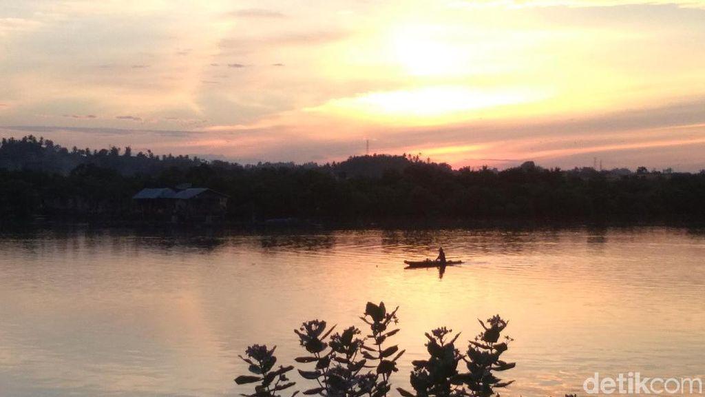 Foto: Sunset Cantik dari Waduk di Aceh