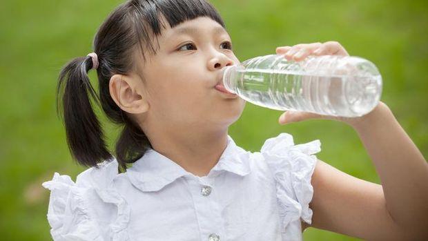 4 Tips Anak Tetap Nyaman di Tengah Cuaca Panas Jakarta