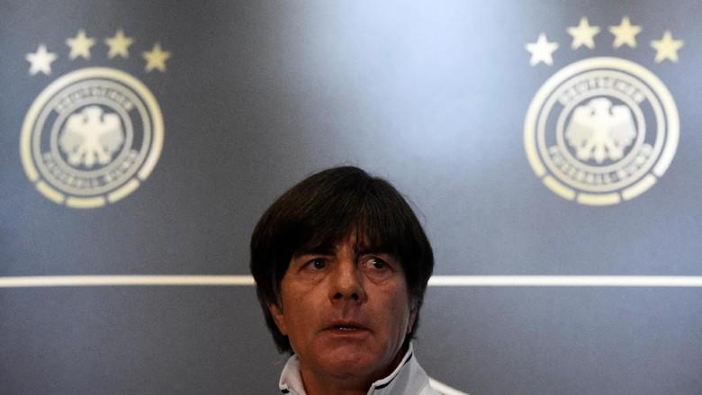 Ditaksir Banyak Klub, Loew Setia Timnas Jerman
