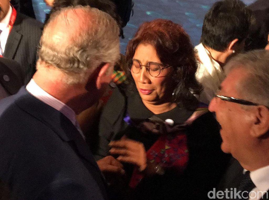 Momen Keakraban Menteri Susi dan Pangeran Charles