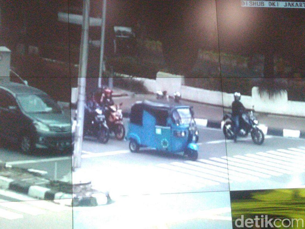 Saat Sopir Bajaj Ikut Ditegur Lewat CCTV Bersuara