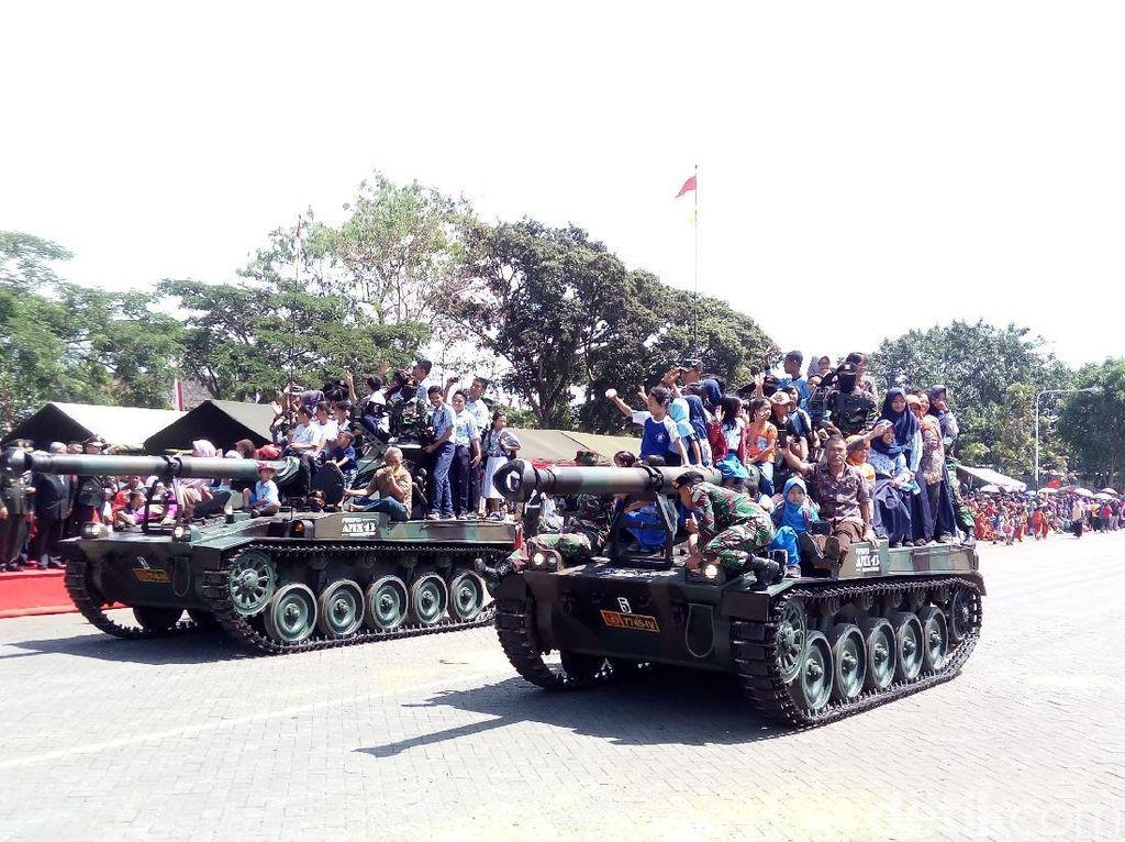 Kemeriahan Perayaan HUT TNI di Lapangan Pangsar Sudirman Semarang