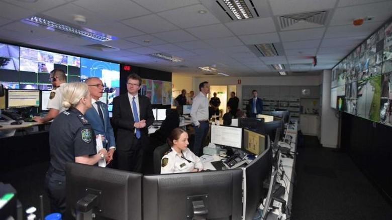 Cegah Kepolisian Australia Selatan Akan - Adelaide Polisi akan memiliki akses langsung ke kamera CCTV di sekitar gedung Adelaide Oval sebagai bagian dari serangkaian