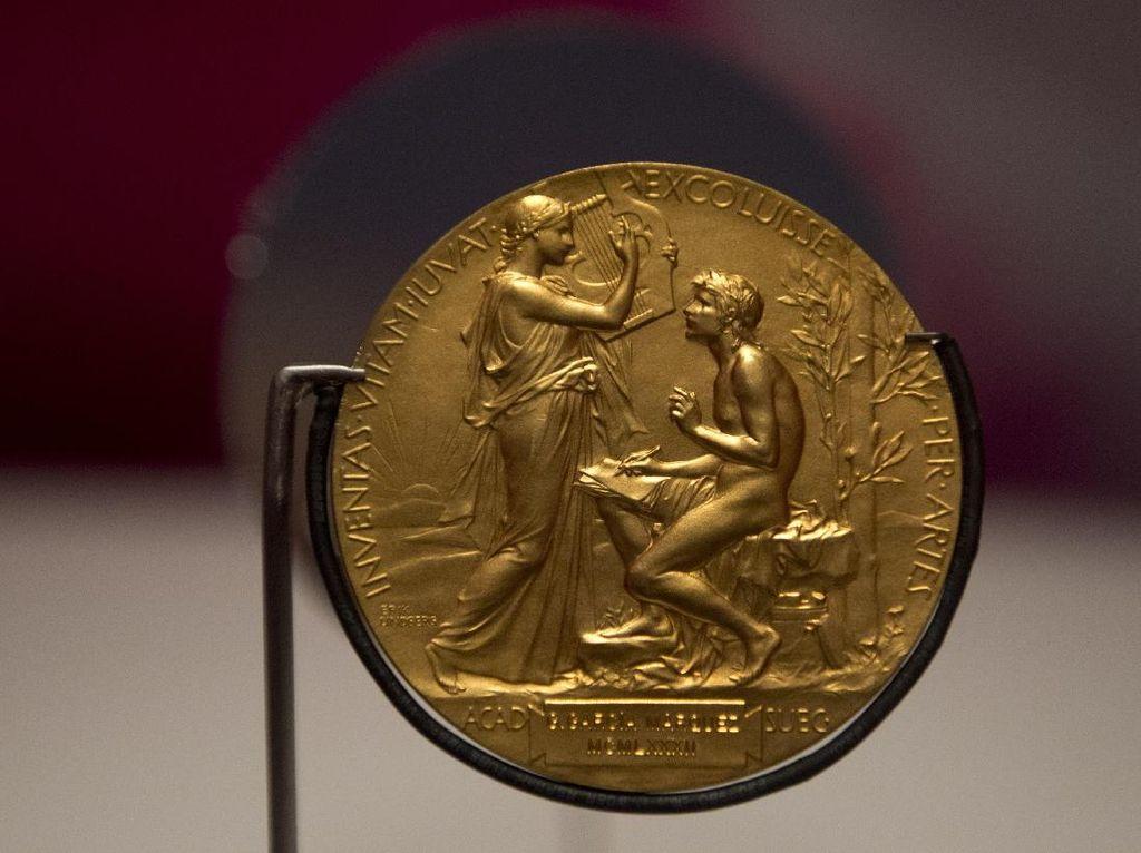 Peraih Nobel Sastra Tahun Ini Adalah Penulis Perempuan?