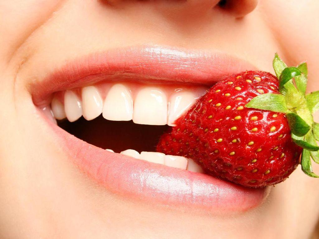 Deretan Manfaat Kesehatan Si Merah Cantik Buah Stroberi