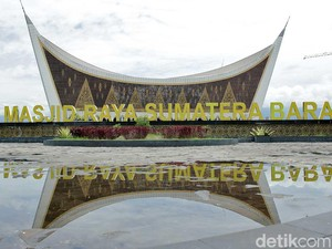 Tahan Gempa dan Berarsitektur Khas Minang, Ini Masjid Raya Sumatera Barat