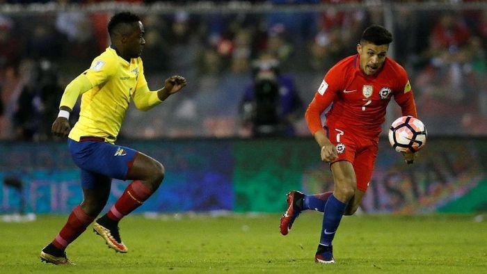 Alexis Sanchez menyumbangkan satu gol untuk Chile (Carlos Vera/Reuters)
