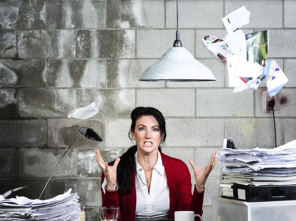 8 Penyebab Pekerja Alami Masalah Mental di Kantor