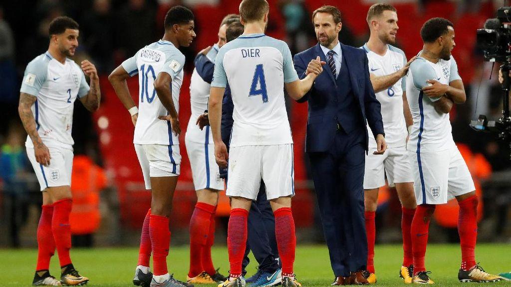 Jajal Pola 3 Bek, Inggris Raih Kemenangan
