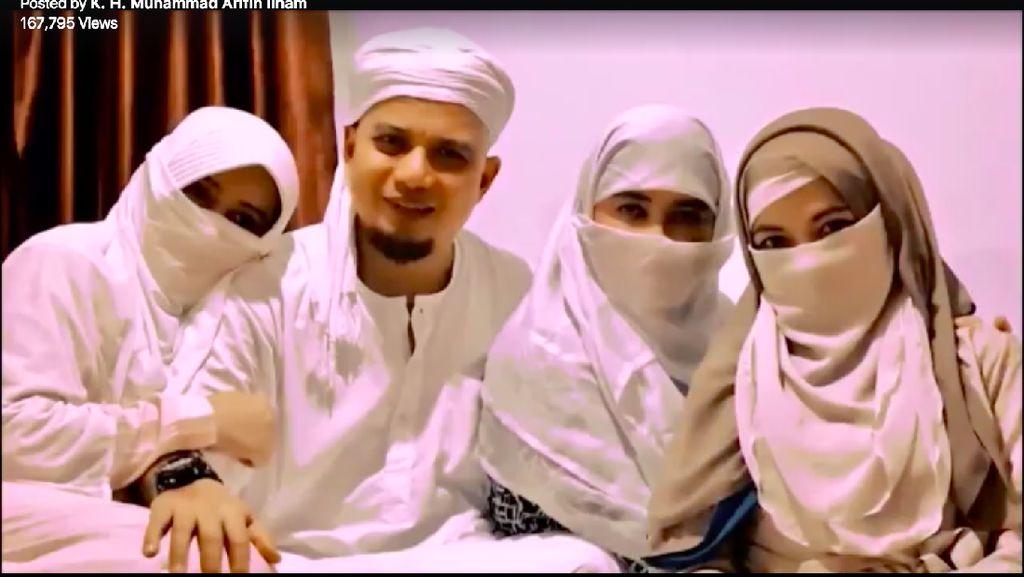 Ustad Arifin Ilham Kenalkan Istri Ketiga, Pengabdi Setan Masuk Nominasi FFI