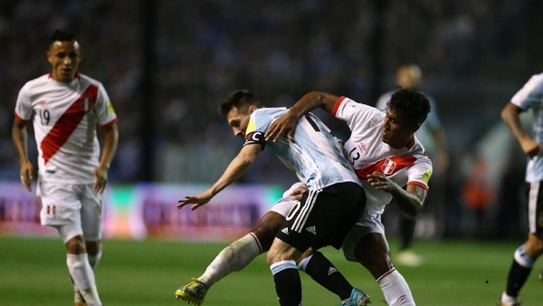 Diimbangi Peru, Argentina Makin Terjepit