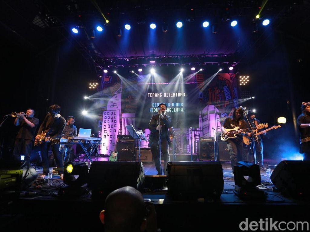 Efek Rumah Kaca Buat Konser untuk Rayakan Mini Album