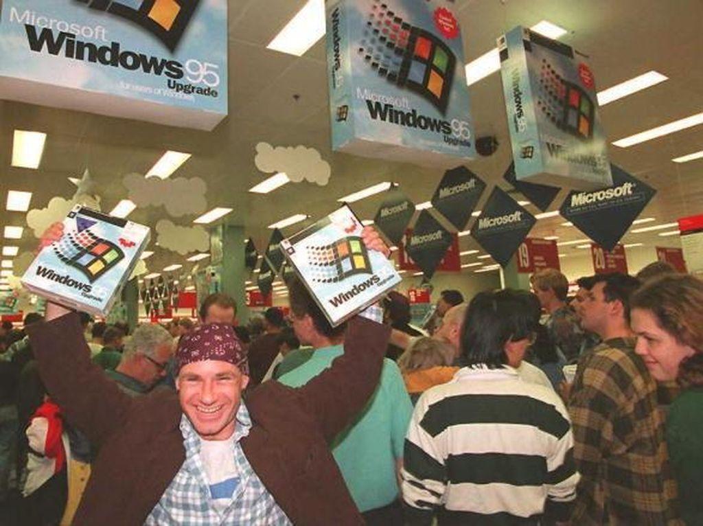 25 Tahun Lalu Ada Antrean di Toko Elektronik, Tapi Bukan untuk Beli iPhone