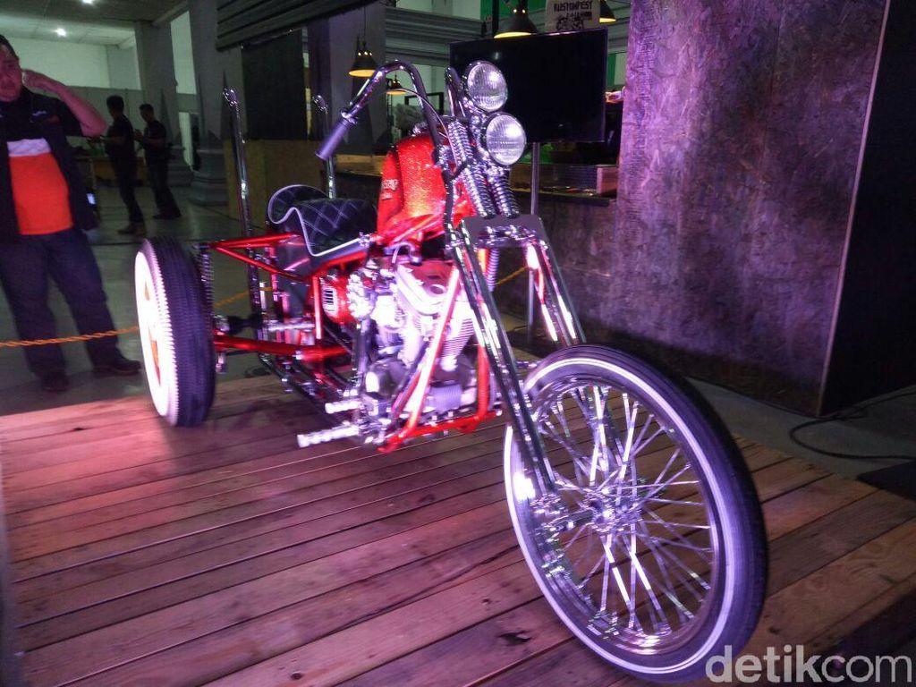 Melihat dari Dekat Ojo Dumeh, Motor Roda Tiga Hadiah Kustomfest