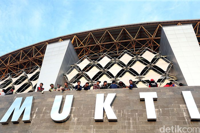 Persija hadapi Sriwijaya di Stadion Wibawa Mukti. (Foto: Rengga Sancaya)