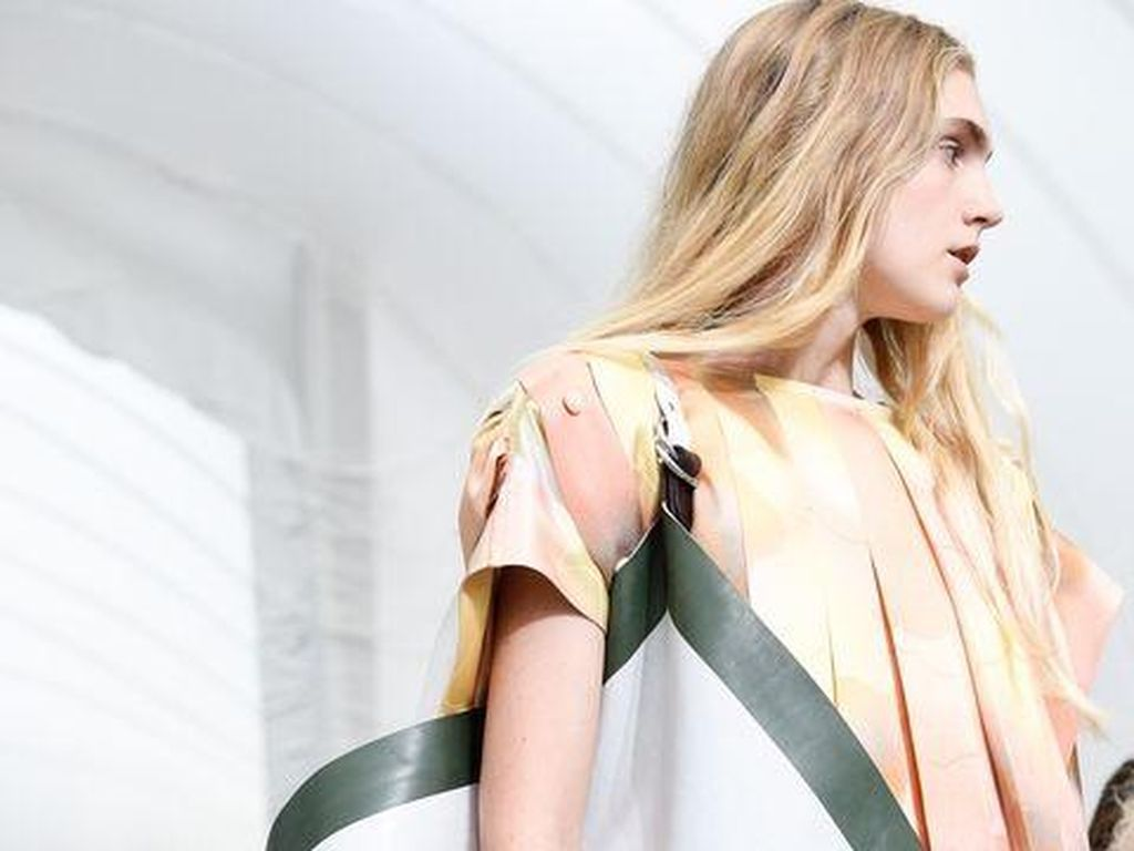 Foto: Tren Tas Terhangat dari Paris Fashion Week Untuk 2018