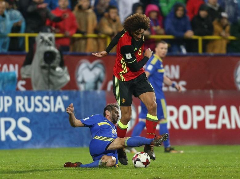 Kabar Buruk untuk MU, Fellaini Dikhawatirkan Cedera Ligamen Lutut
