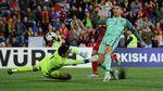 Ronaldo Main, Bikin Gol, dan Portugal Menang