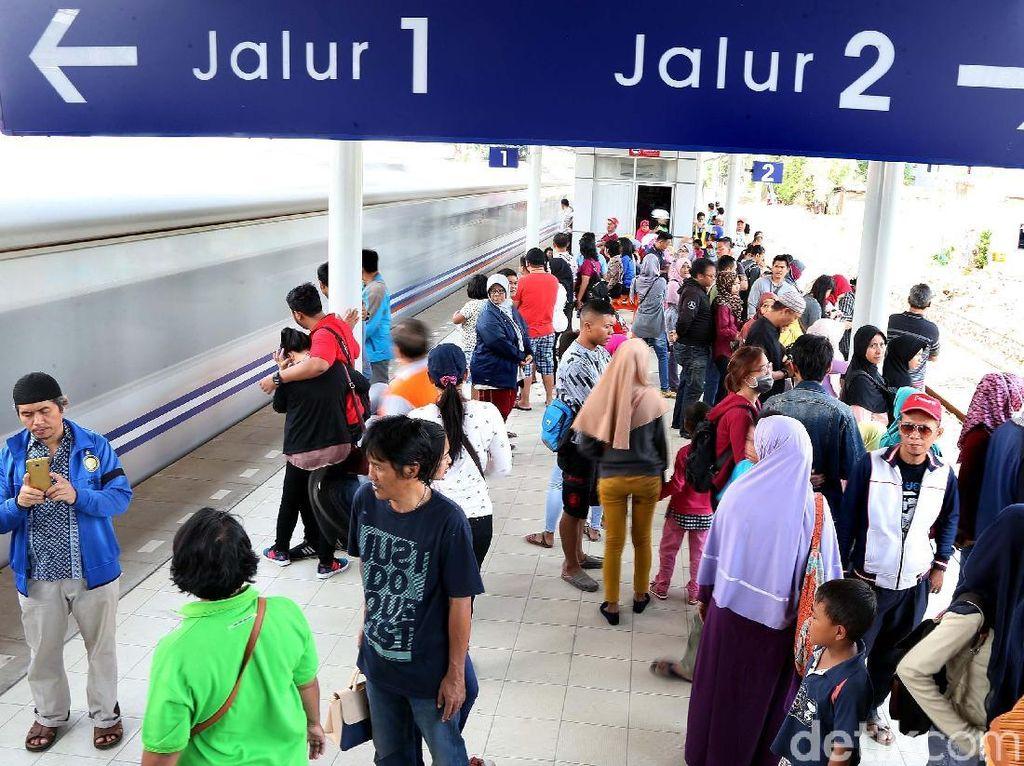 Warga Mulai Buktikan Kenyamanan Stasiun Bekasi Timur
