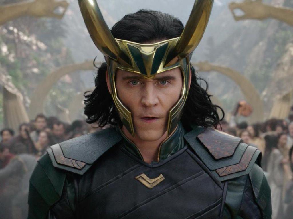 Tom Hiddleston Setahun Simpan Rahasia soal Kemunculan Serial Loki