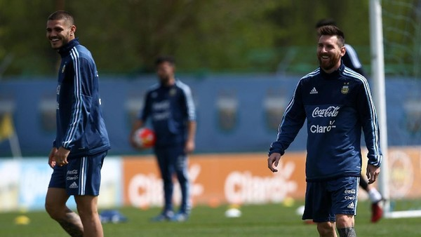 Argentina Butuh Gol, Juga Tabung Oksigen