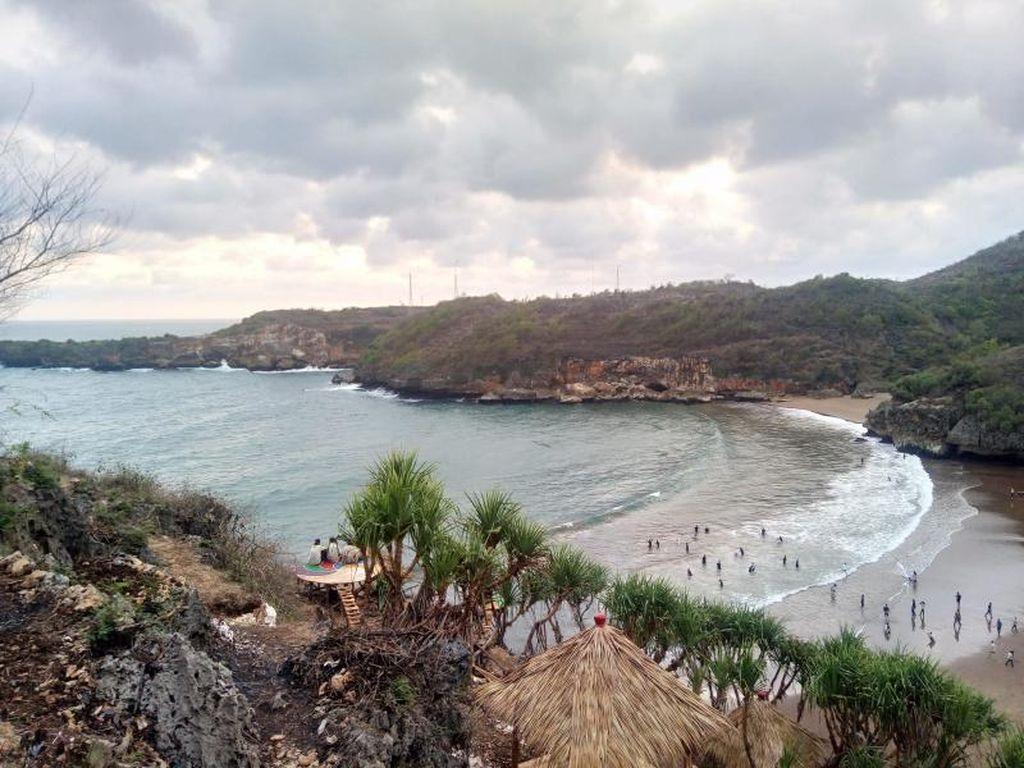 Pantai Baron di Gunungkidul, Cantik!