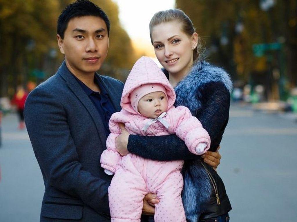 Pria China Gaet Istri Cantik dari Ukraina, Begini Caranya!