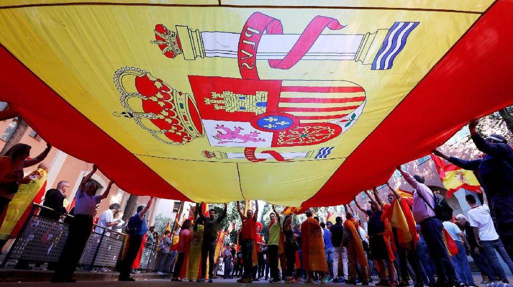 Warga Barcelona Turun ke Jalan Tolak Merdeka dari Spanyol