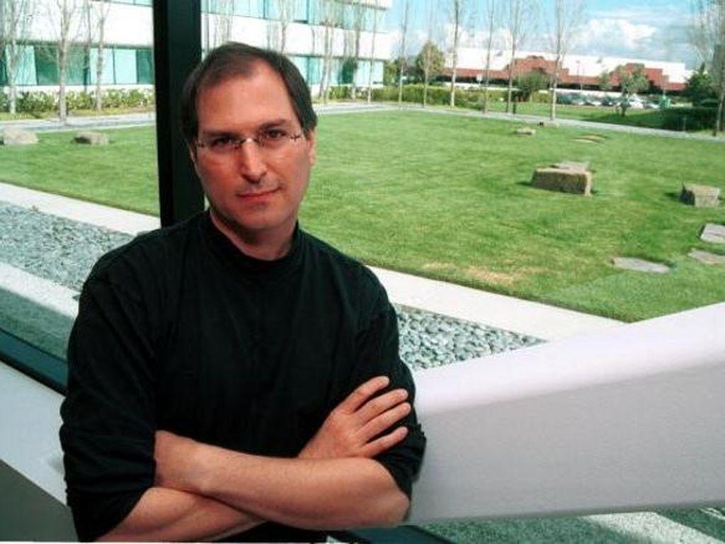 Steve Jobs Suka Ganti Mobil Tiap 6 Bulan
