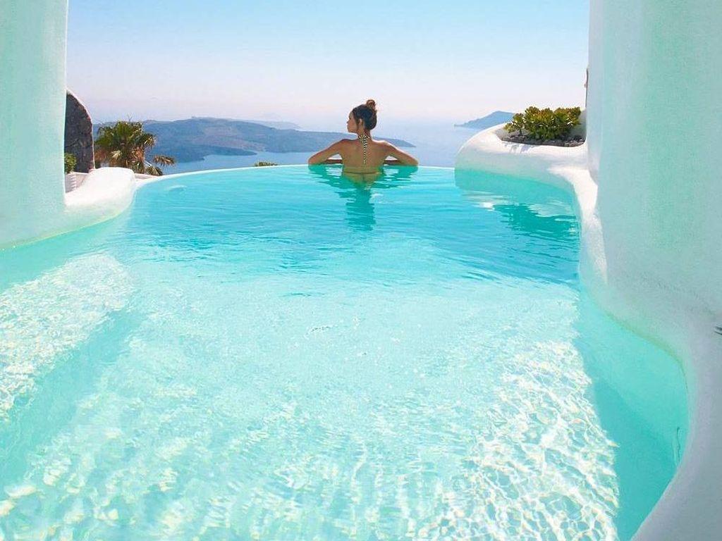 Inikah Tempat Menginap Paling Indah di Santorini?