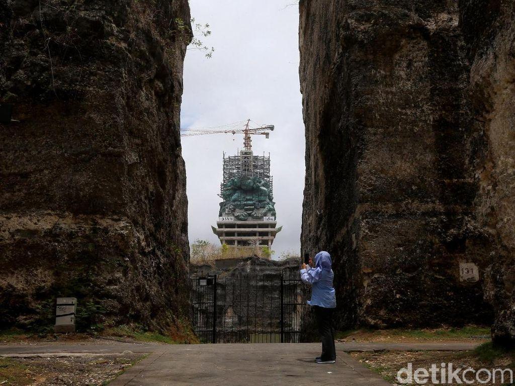 Mangkrak 20 Tahun, Patung GWK Bali Mulai Terlihat Gagah Menjulang